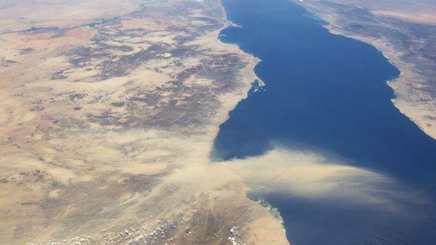 Kızıldeniz 1,1 milyon varil petrolün sızma riskinin olduğu çevre felaketiyle karşı karşıya