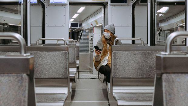 Koronavirüs kısıtlamaları çeşitli yerlerde geri dönüyor