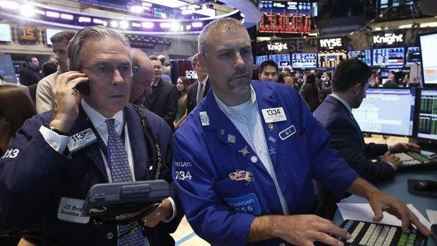 Küresel Piyasalar: Hisseler karışık seyretti, dolar düştü