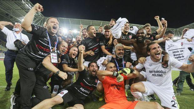 Fatih Karagümrük 36 yıl sonra Süper Lig'de