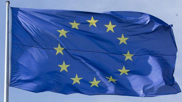 Euro Bölgesi'nde imalat büyümeye döndü
