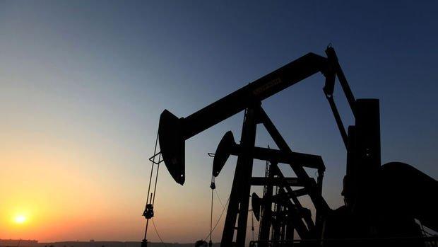 """Brent petrol """"stok"""" verisi ile 5 ayın zirvesine sıçradı"""