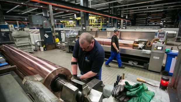 Almanya'da fabrika siparişleri Haziran'da beklenenden güçlü yükseldi