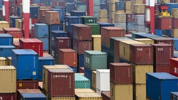 Çin'in ihracatı güçlü yükselirken, ithalat sürpriz daralma kaydetti