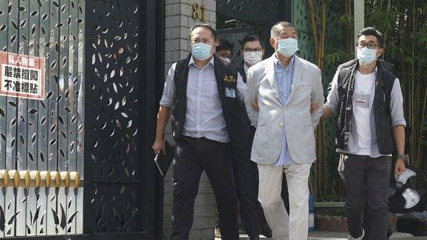 """Hong Kong'lu """"medya devi"""" güvenlik yasası uyarınca tutuklandı"""