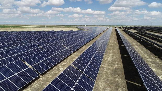 Japonya Katar'ın en büyük güneş enerji paneli için kredi finansmanı sağlayacak