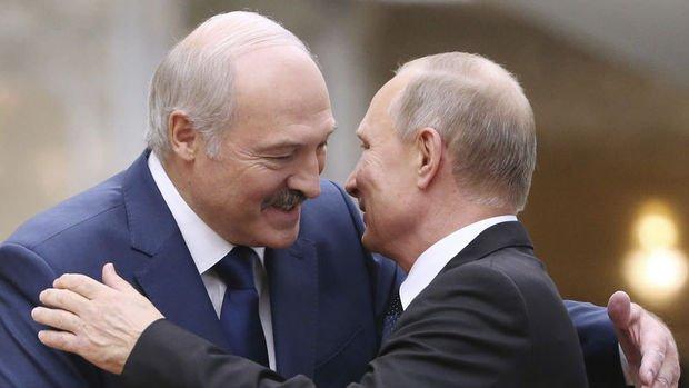Putin Belarus'a savunma desteği sağlayabileceğini söyledi