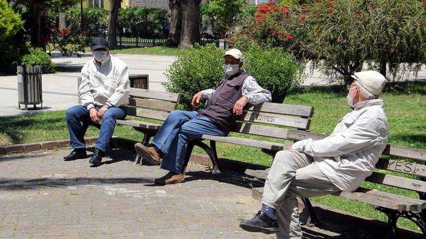 Ankara'da 65 yaş ve üzeri ile kronik rahatsızlığı olanlara yönelik bazı kısıtlamalar getirildi