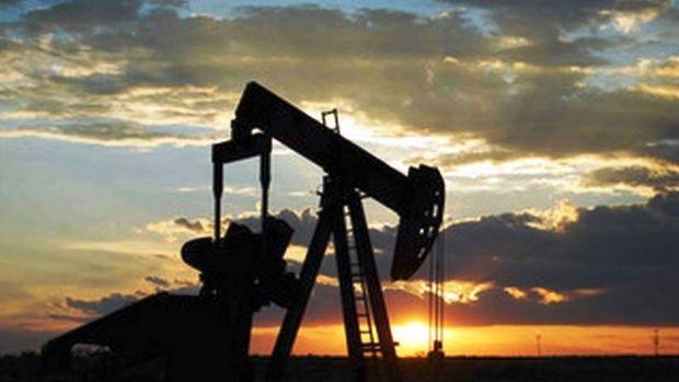 Petrol ABD'de stokların azalması ile 5 ayın zirvesi civarında