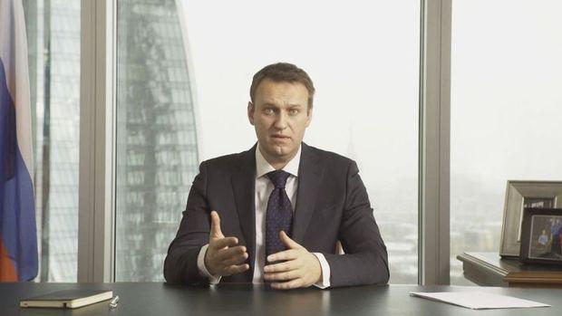 Rus muhalif Navalnıy zehirlenme şüphesiyle hastaneye kaldırıldı