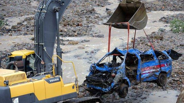 Giresun'daki selde 2'si jandarma personeli 6 kişi hayatını kaybetti