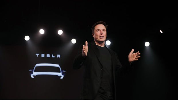 Tesla tek seansta 82 milyar dolar eridi