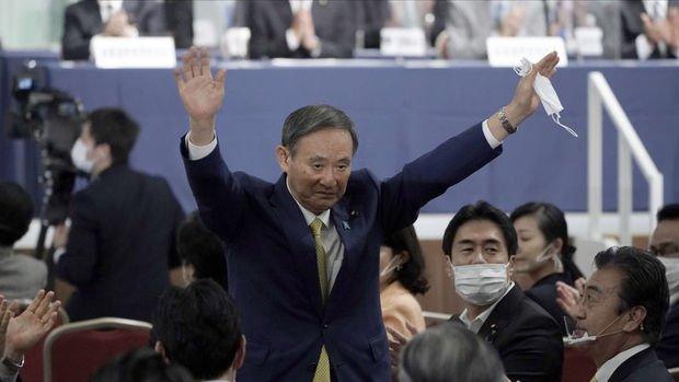 Japonya'da iktidardaki LDP başkanlığına Suga seçildi