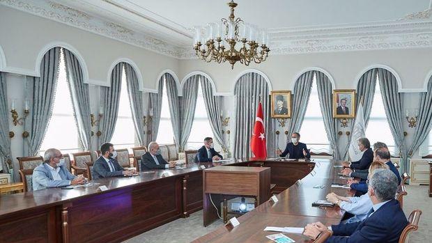 İstanbul Valisi'nden mesai saati açıklaması