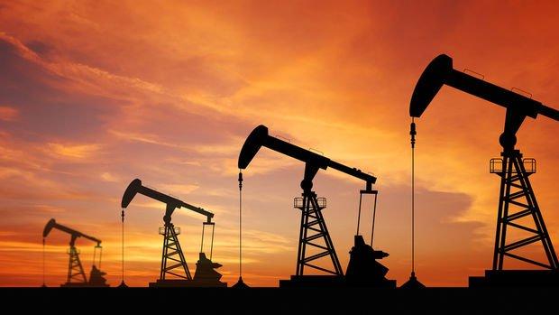 Petrol güçlü dolar ile 40 doların altına düştü