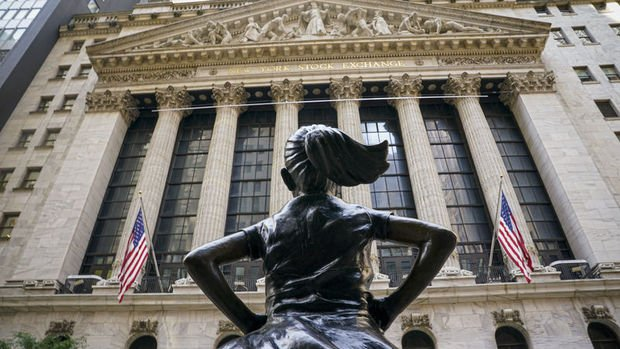 ABD'de endeksler makroekonomik verilerin etkisiyle düşüşl...