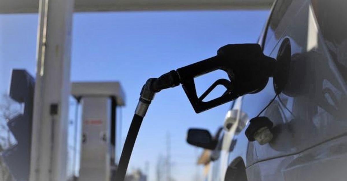 Benzine 28 kuruş, motorine 25 kuruş zam yapıldı