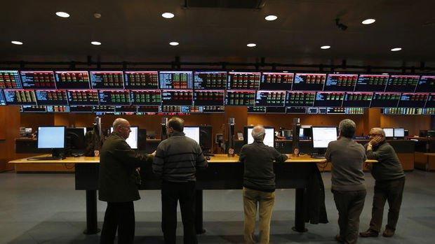 Avrupa borsaları bankaların ve Kovid-19'un etkisiyle sert düşüşle kapandı