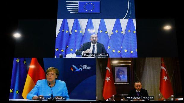 Erdoğan, Merkel ve Michel ile video konferans görüşmesi yaptı