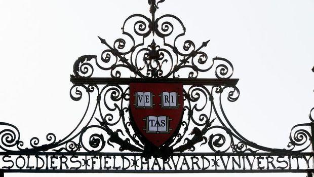 Harvard'a kaydolan öğrenci sayısı %20 düştü