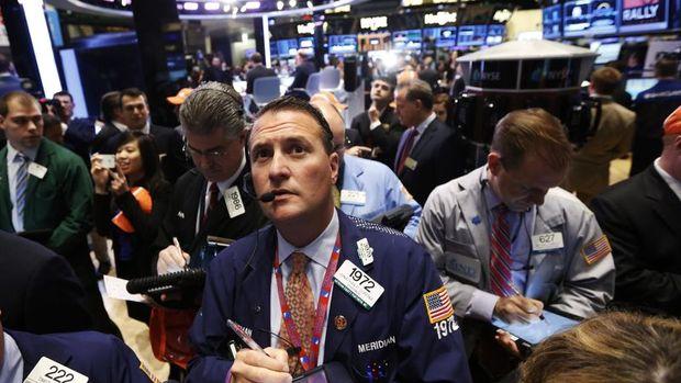 Küresel Piyasalar: Hisseler düştü, dolar kazançlarını art...