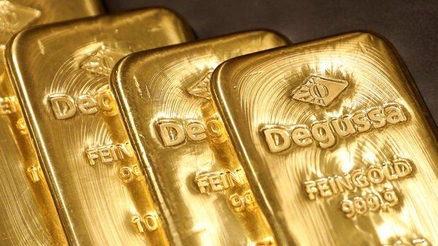 Altın güçlü dolar ile 4 yılın en kötü aylık performansına yöneldi