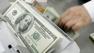 ABD kişisel gelir Ağustos'ta beklenenden fazla düştü