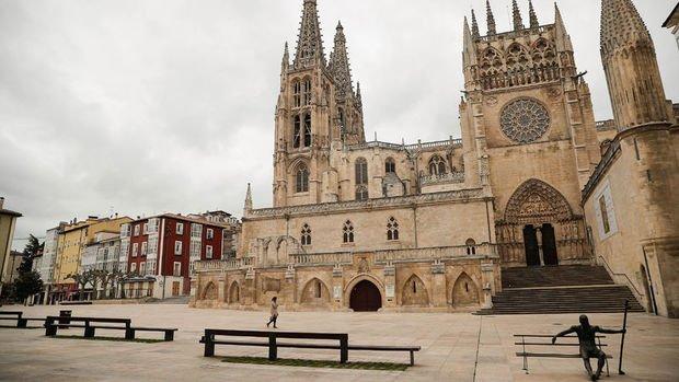 Kovid-19 İspanya'da turizmi vurdu
