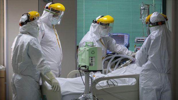 Türkiye'de son 24 saatte 104 bin 402 Kovid-19 testi yapıldı, 1429 kişiye hastalık tanısı konuldu