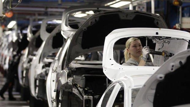 Almanya'da sanayi üretimi 'vaka sayılarında artış endişeleri' ile geriledi