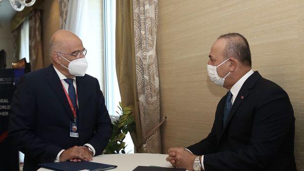 Dışişleri Bakanı Çavuşoğlu Yunan mevkidaşıyla görüştü