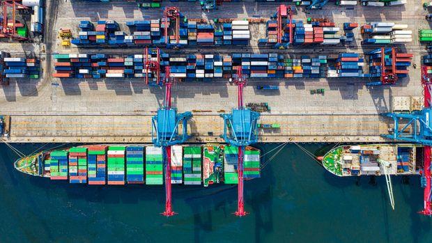 Çin'de ithalat ve ihracatta iyileşme dördüncü ayında da devam etti