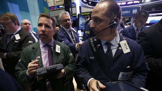 Küresel Piyasalar: ABD vadelileri düştü, dolar ve hazine tahvilleri yükseldi