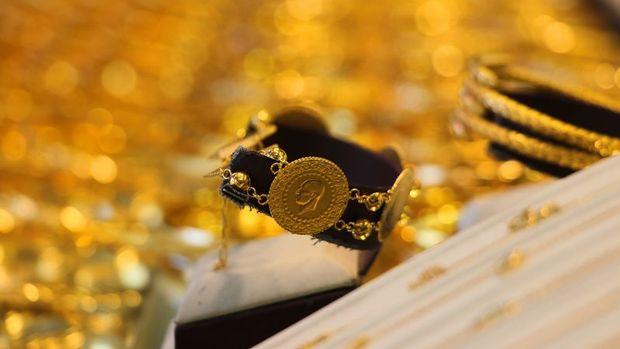 Gram altın hafif düşüşle 487 lira seviyelerinde işlem gör...