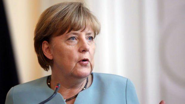 Merkel: AB-Türkiye ilişkilerinde ilerleme her iki tarafın da çıkarınadır