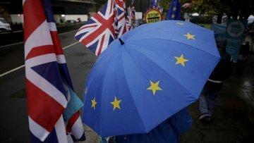İngiltere, AB ile anlaşmaya varmak için Brexit yasasında ...