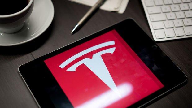 Tesla kâr tahminlerini aştı, 500 bin araç teslim etme taahhüdünü korudu