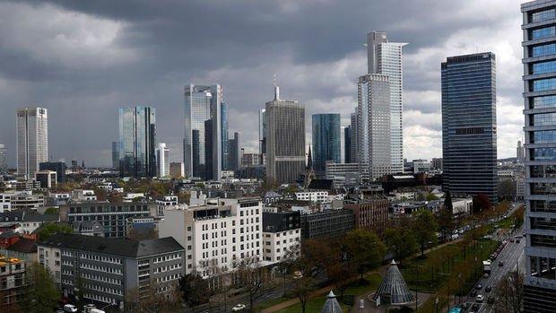 Almanya'da iş dünyası toparlanmaya yönelik güvenini kaybediyor