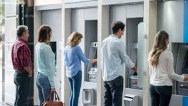 İstanbul'da banka şube çalışma saatlerine virüs ayarı