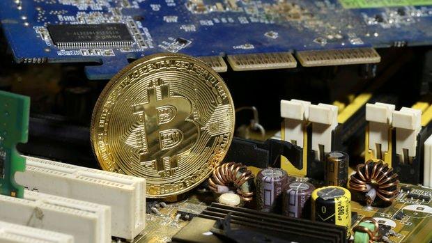 Bitcoin 18 bin doları da aştı