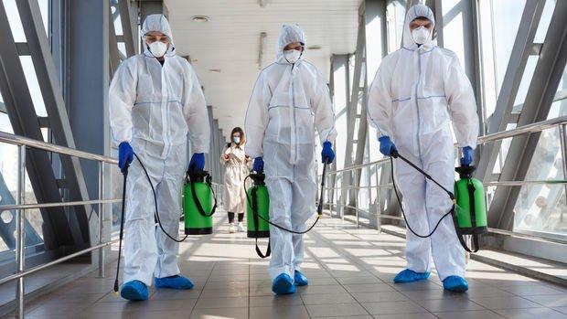 Koronavirüs: Vaka sayıları kritik eşikleri aşarken, kısıtlamalar sıkılaştırılıyor