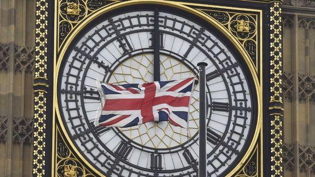 İngiltere'nin kamu borcu salgın etkisiyle artıyor