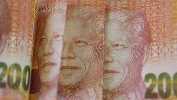 Fitch ve Moody's Güney Afrika'nın kredi notunu indirdi