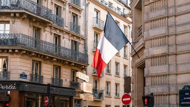 Fransa karantina önlemlerini kademeli olarak gevşetecek