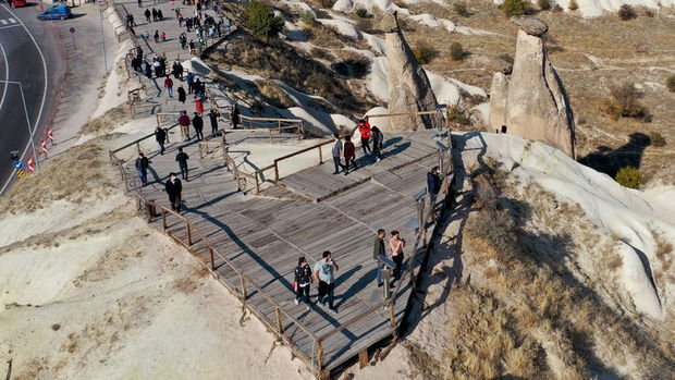 Turist sayısında düşüş devam etti