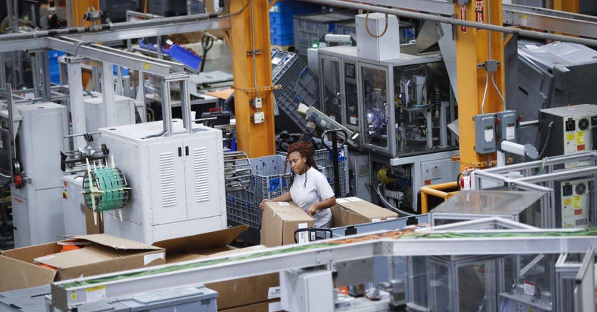 ABD'de fabrika siparişleri Ekim'de beklenenden fazla arttı