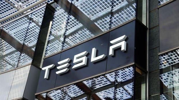 Tesla 5 milyar dolarlık hisse satacak