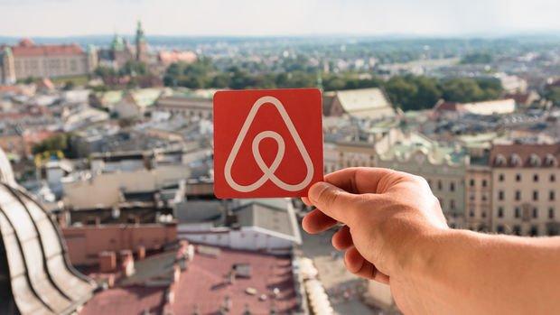 Airbnb'nin piyasa değeri ilk işlem gününde 100 milyar doları aştı