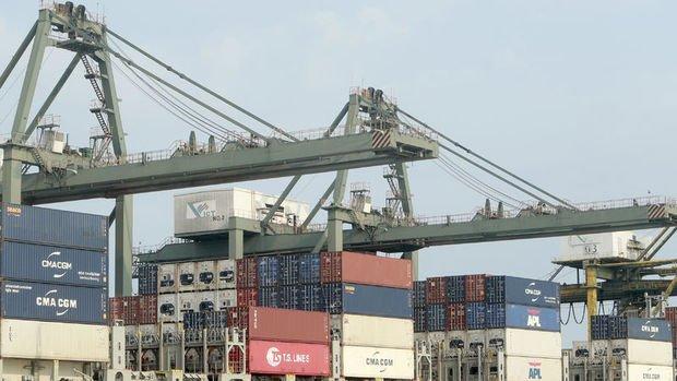 AB'nin dış ticareti Ekim'de düştü