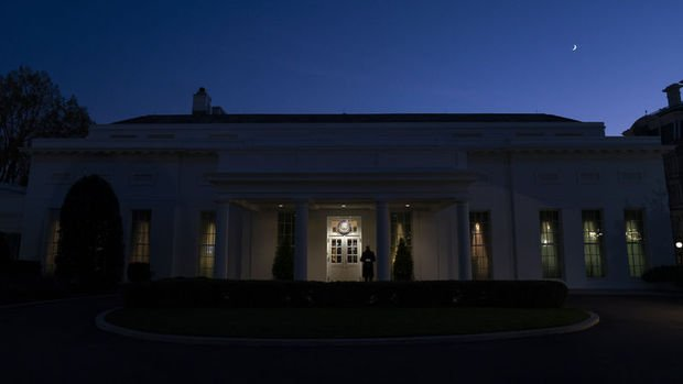 Trump, 1 günlük bütçeyi imzaladı